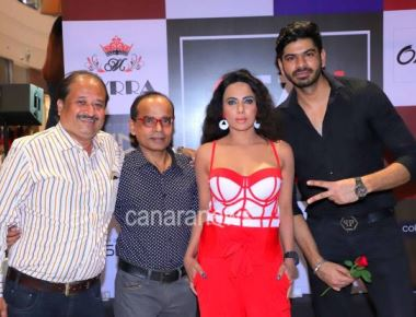 Fashion Nite Pooja Misrra, Myrra and Yash Wadali at NVU Store