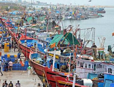 Fishing boats return empty-handed