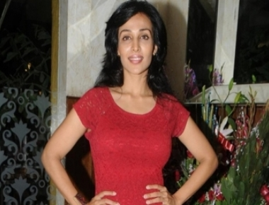 Flora to play dancer in 'Mere Sai'