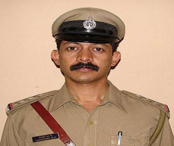 Ganapathi fired twice on bed before hanging self