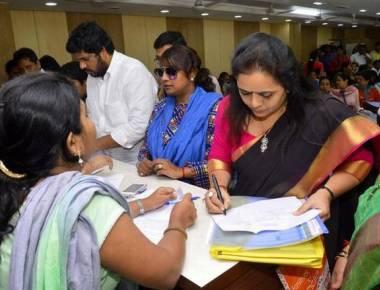 Mayor race: Geeta Gawli dumps Sena, goes with BJP