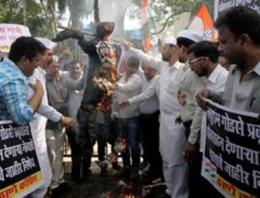 Hindu Mahasabha commemorates Godse's death anniver, RSS disapproves