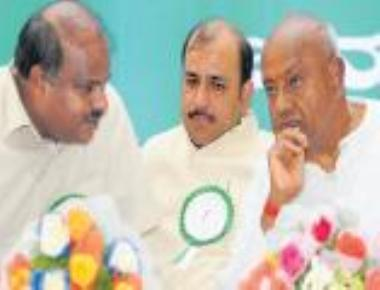 Deve Gowda tells partymen to enrol one crore members