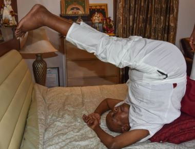 86-year-old Gowda displays his agility on Yoga Day