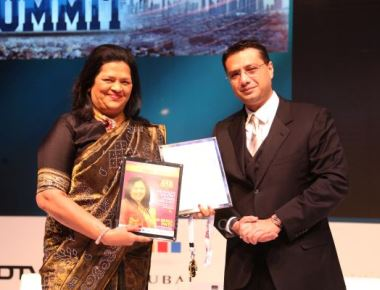 Madam Grace Pinto receives the World's Greatest Leaders Award 2015 — Asia & GCC'