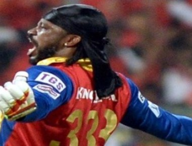 PL: Gayle leads Kings XI rout
