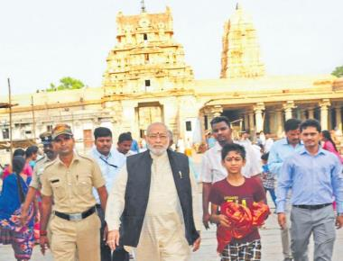 Narendra Modi's brother, family visit Hampi