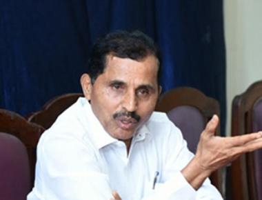 Harikrishna Bantwal asks Ramanath Rai to give enroached land to poor
