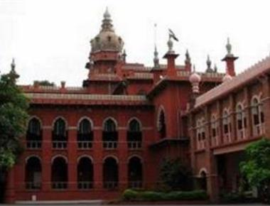 HC delivers split verdict on disqualification of 18 AIADMK MLAs