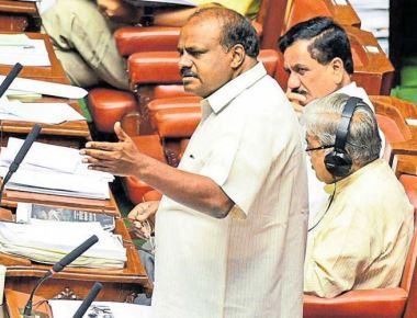 Examine merging of Arogya Karnataka, Yeshasvini schemes, CM tells officials