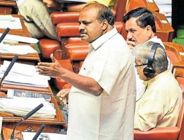 CM is indulging in caste politics: HDK
