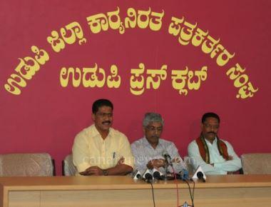 Jayaprakash Hegde's supporters to back non-Congress candidates