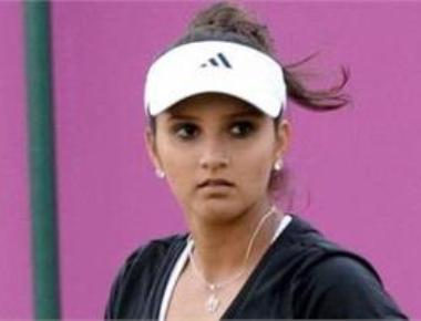 Sania, Hingis back to No.1 with semis win in Rome