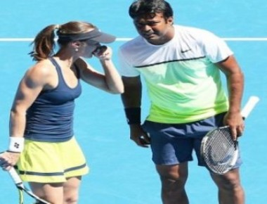 Paes-Hingis knocked out of French Open