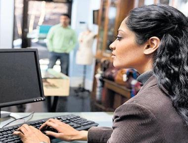 House panel favours day shift for women in IT/BT firms
