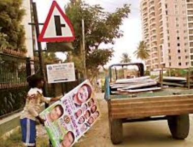 Unsung heroes and ubiquitous villains of the flex banner saga in Bengaluru