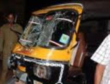 Auto driver dies after getting hit by speeding car in Kotekar