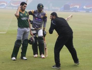 Play India if you want to perform under pressure: Inzamam