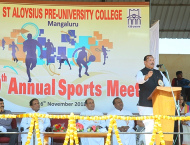 MLC Ivan D'Souza encourages sportsman spirit among SAC students at sports meet