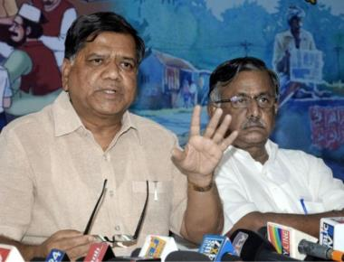 Government trying to hush up lottery case: Jagadish Shettar