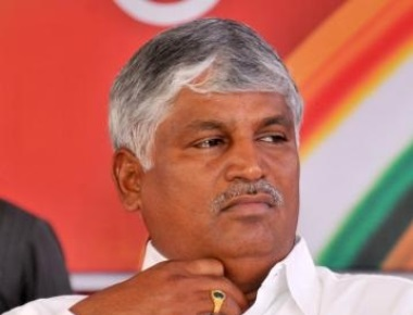 Cong lodges plaint against JD(S) MP for 'threatening' officer