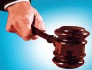 Judge booked for 'assaulting' cops