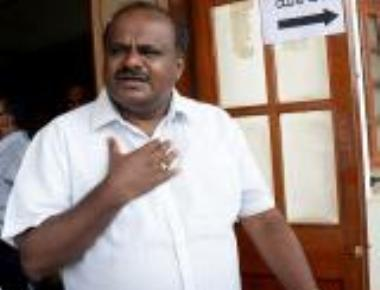 Kumaraswamy hits back at Siddu, questions his ability to build party