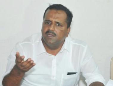 U T Khader assures to take action in illegalities regarding distribution of Anna Bhagya rice scheme