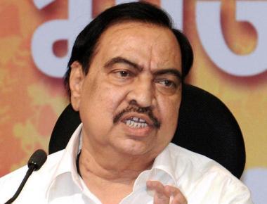 Maharashtra BJP chief backs beleaguered Khadse