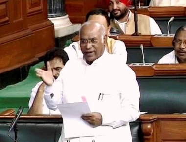 Gujarat people fed up with Modi's decisions: Kharge