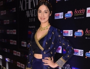 Concentrating on acting right now: Divya Khosla Kumar
