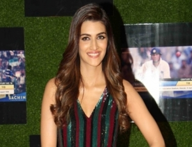 Kriti rejoices over 7 million Instagram family