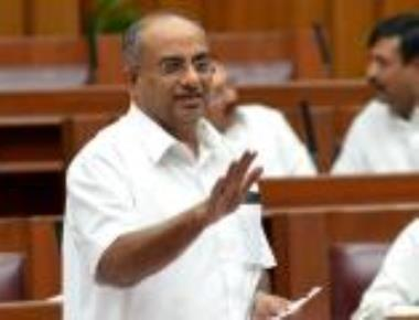 Minister for Co-operation Mahadeva Prasad dies of heart attack