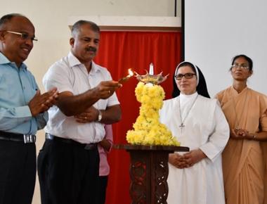 KPSC member Dr Ronald Anil Fernandes inaugurates Civil Service Training at St Agnes College