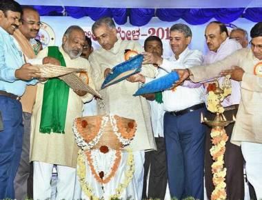 Seed Mela marks start of Krishi Mela in Dharwad