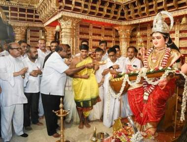 Keep differences aside and work for development: Kumaraswamy