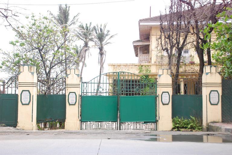 priyanka chopra s new house in mumbai on august 7 2014