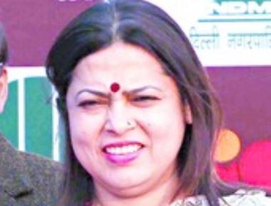 Lekhi lashes out at award 'mercenaries'