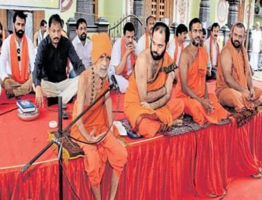 Lingayats part of Hindu religion: Pejawar seer