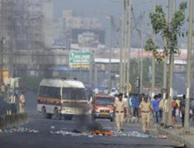 Maha simmers after Pune violence; protests erupt in Mumbai