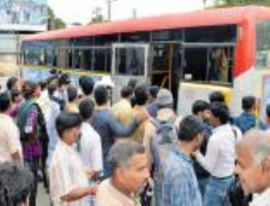 Maharashtra, Telangana buses come to the aid in Bidar