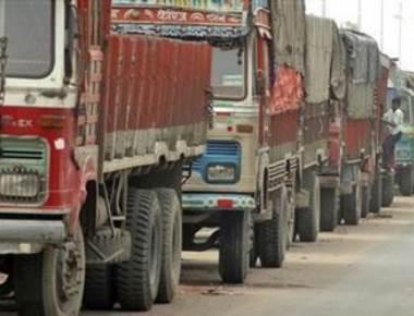10,000 Maharashtra trucks stop plying to south India