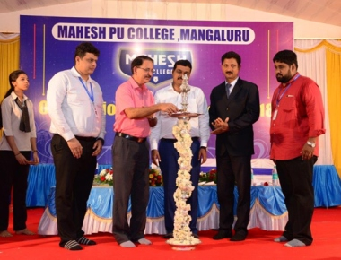 Mahesh PU College hosts orientation programme for new students