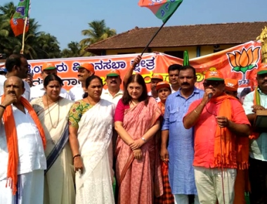 Menaka Gandhi hits out state government