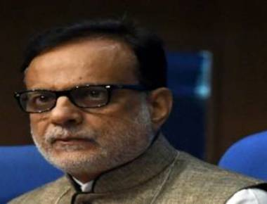 Service tax to move up from 15% to 18% under GST: Hasmukh Adhia