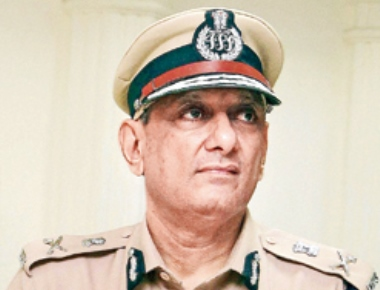 Oh, Maria! - Mumbai top cop kicked up