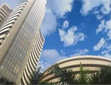 Sensex tumbles 314 points; weak fourth quarter nos drag