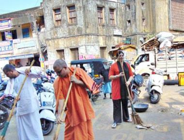 Central Market cleared during cleanliness drive