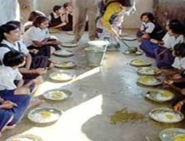 Dead lizard in Bihar mid-day meal, 50 students ill