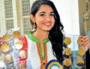 With 16 gold medals, Chemistry topper shines at Mysore university convocation